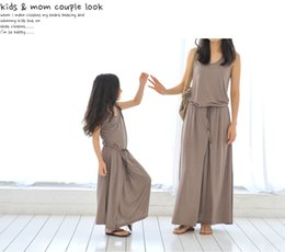 Vêtements D'été Marron Pas Cher-2016 mère fille s'habille Summer Casual Style Family Matching Outfits Mode manches longues robe couleur marron 9size Ensemble parent-enfant
