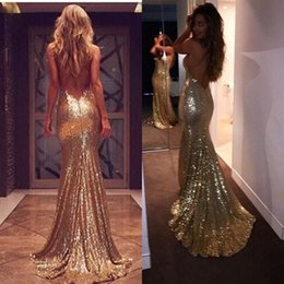 Photos Sexy Chaud Et Sexy Pas Cher-2018 New Gold Sequins Robes de soirée Hot Sexy Backless Prom Robes Plus Size Long Sirma Robes de demoiselle d'honneur Cheap Custom Made