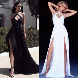 Barato Fadas De Vestido Branco Sexy-2016 mais novo Sexy Dividir Vestidos Formal Wear Black White Cut Out Halter Backless vestido longo com fenda mangas Prom Party vestido barato