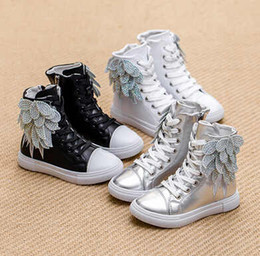 Barato Meninas Modelagem-Hot Sale Boys And Girls Sneakers 2015 Autumn EuropeanAmerican Model Shoes Kids Botas de tornozelo luxuosas Shoes with Wings