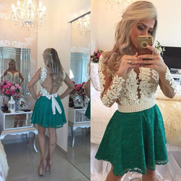 Barato Vestidos De Formatura Promocionais On-line-Short Party Dresses 2016 Sexy Lace Pearls Beaded Illusion Manga comprida Open Back Mini Prom Gowns Bow Appliques Cocktail Dress Online Store