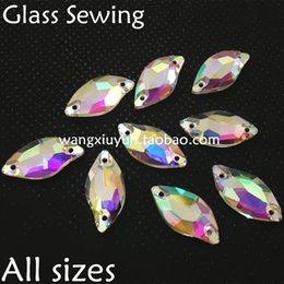 3c4ebee01430 El cristal de la hoja de 9x20m m 14x30m m cose en la piedra de cristal de  costura de los pescados de la belleza del color de RhineStone AB para el  vestido