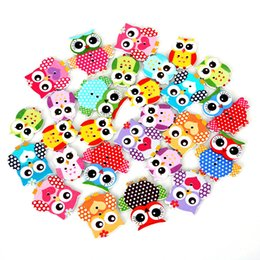 Barato Botões Para Costura Por Atacado-50Pcs / lot Multicolor 2 furos Venda por atacado Natural Wood Sewing Button Owl Mixed for Sewing Accessories DIY Craft Scrapbooking Making