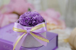 Faveurs De Mariage De Bonbons Violets Pas Cher-50Pcs / Lot Perfect Purple Wedding Fleur Candy Box Cylindrical Wedding Favors Titulaire Cadeaux Caisses De Cadeau 2016 Mai Style D'été