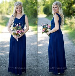 Barato Longas Cortinas De Vestido-2017 Cheap Country Beach Navy Blue Vestidos de dama de honra V Neck Lace Chiffon Drapeado Pavimento Comprimento Long Party Dresses Maid of Honor Gowns