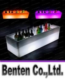 Secchiello per il ghiaccio in plastica di grandi dimensioni LED Secchi lungo rettangolo luminoso Colore chiaro che cambia Champagne Birra Vino rosso dispositivo di raffreddamento Secchiello per il ghiaccio LLFA190 in Offerta