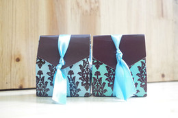 luxury chocolate gifts Canada - Luxury European Flower Pattern Wedding Favor Holders Party Chocolate Cake Box Candy Boxes Gift Box With Ribbon