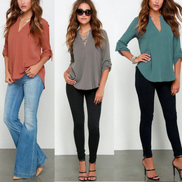 Barato Senhoras Baixo Corte Tops-Loose V Neck Women Tops Sexy Long Sleeve Low Cut Ladies Camisas Blusa Tops com Chiffon Material para Mulheres