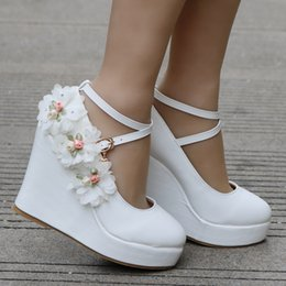 Beautiful Shoes For Women Canada - New wedges Beautiful flowers for women's shoes Wedge waterproof single cross with wedges women shoes