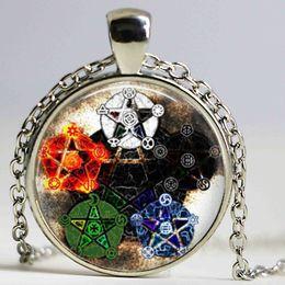 Drop shipping Wholesale Cupola di vetro Elementi di moda Pentagram Wicca Ciondolo Collana Wiccan Gioielli Occulto Fascino regalo donna in Offerta