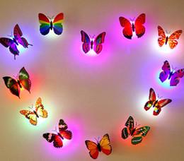 Criativo Pequeno Fantasia Lanterna Colorida LED Borboleta Luzes Da Noite Da Festa de Casamento Decorações de Quarto Luzes Da Noite Do Bebê LEVOU Feriado de Natal Gif em Promoção