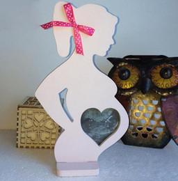 15 * 26.2 * 0.9 cm molduras De Madeira para mulheres grávidas novas fontes do casamento adereços de casamento ornamentos decorações WT26 em Promoção