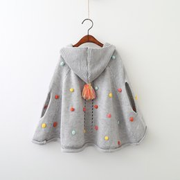 Manteaux Pour Filles Pas Cher-Girls Cape Sweater Poncho Coat Outerwear 2017 Nouvel hiver hiver sans manches Warm Fashion Cardigan Coat Kids Ball Outerwear YAN-629