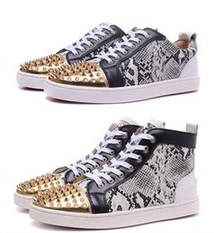 Coupe Haute Rouge Pas Cher-France Luxe High Top / Low Cut Gris Snakeskin Red Shoes Gold Bottom Spikes Toe Designer Shoes Casual