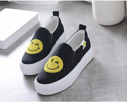 Chaussures Pour Dames Pas Cher-Mignon visage souriant Femmes Chaussures Toile Brand New Fashion Mochettes Slip-ons Cartoon Cute Pretty Lady Footweart