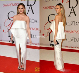 Wholesale Chrissy Teigen Modest Ivory Celebrity Dresses Sheath Backless Satin Strapless Simple Split Evening Gowns Long Prom Party Dress Arabic
