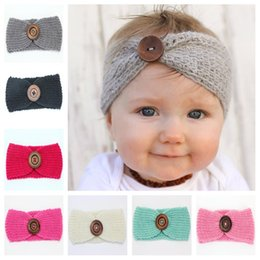 Barato Crochet Bebê Tricô-New Baby Girls Moda Lã Crochet Headband Knit Hairband com botão Decor Winter Newborn Infant Ear Warmer Head Headwrap KHA01