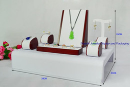 $enCountryForm.capitalKeyWord Canada - Red Painted Wooden Jewelry Display Ring Incounter Showcase, Necklace Display Stand, Earrings Holder Set