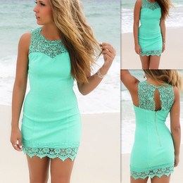 $enCountryForm.capitalKeyWord Canada - Mint Green Mini Cocktail Dresses 2016 Corset Lace Sexy Short Prom Gowns Sheer Crew Neck Dress For Special Occasions
