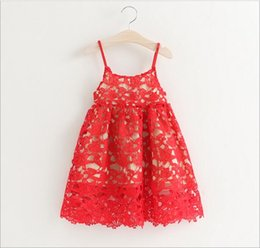 Barato Vestidos De Noiva De Renda No Verão-New 2016 Baby Girls Crochet Lace Vestidos Bebês Hallow Out Princess Vestido Girl Summer Singlet Dress Children's Wholesale Clothing