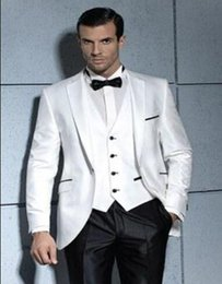 Groomsmen Smoking Noir Argent Pas Cher-Gros-Blanc Noir 2016 Groom Smokings Un bouton Best Man Party Mens Suits argent smokings Groomsmen Costumes Costumes Boy 3Pieces