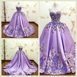 Wholesale Luxury Purple Ball Gown Evening Dresses D Floral Appliques Flower Lace Formal Prom Gowns Sweetheart Sleeveless Long Party Dress