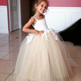 $enCountryForm.capitalKeyWord Canada - White Lace Applique Champagne Flower Girl's Pageant Dresses Ball Gown Long Baby Flower Dress For Wedding Girls Kids Party Prom Gowns