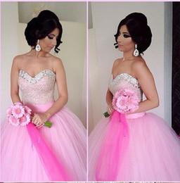 Robe De Soirée Pas Cher-Blush robes de bal en tulle rose Quinceanera robes Sequin perlée Sweetheatrt étage longueur Sweet 16 robes Pageant Dress Robes de bal
