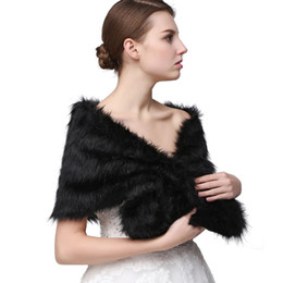 Chinese  Half Sleeve Women Winter Wedding Faux Fur Jacket Bolero Wraps Bridal Coat Wedding Bolero Fur Bridal Shurg 17002 manufacturers