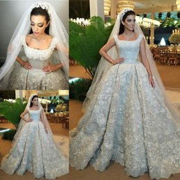 Castle Bling Wedding Dress Canada - Luxury Bling Bling Ball Gown Wedding Dresses 3D-Floral Appliques Beaded Cathedral Train Lace Bridal Gowns High Quality Crystal Wedding Dress
