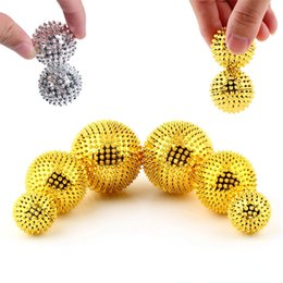Barato Bola De Massagem Muscular-Magnetic para Palm Massage 32mm Balls Needle Trigger Point Muscle Health Care para Home Office Exercício físico dourado prata cor