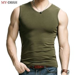 Barato Corpo Muscular Mens-Venda por atacado - 2017Novo moda V Neck Mens Clothing Body Slimming Undershirt Shaper Fitness Vest Muscle Elastic Cotton Tank Tops Frete grátis