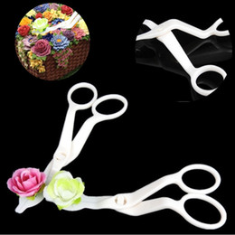 Fondant Flowers For cakes online shopping - New Kitchen Baking Tools Plastic Tool for Cream Flower Transfer Tool Fondant Cake Decorating supplies IA664