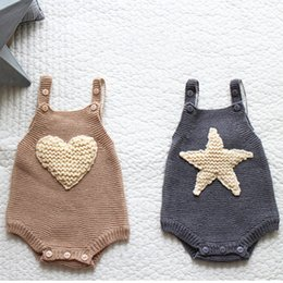 Barato Camisola Bege Do Knit Do Bebê-Everweekend Toddler Baby Kids Knitted Stars Loves Sweater Rompers Halter Design Doce de outono Bege Cinza Cor Infant Clothing