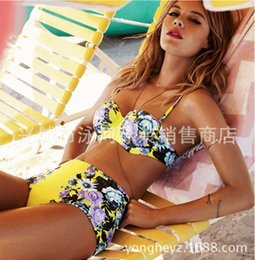 Bikinis Sexy Pas Cher-Mode Femmes Floral Imprimé Maillots De Bain Sexy Bikini Lady Haute Taille Bikinis Beachwear Top + Bottom 2 pièces Maillot Taille S - XL