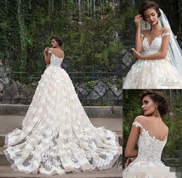016 Retro Zuhair Murad Lace Wedding Dresses Illusion Boat Neck Short Sleeves A Line Floral