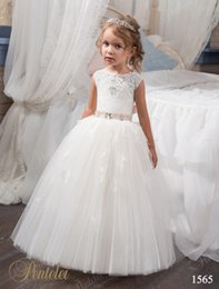 Gowns For Flower Girls NZ - First Communion Dresses for Little Girls 2017 with Beaded Neck and Pink Sash Crystals Tulle Ball Gown Flower Girls Gowns for Weddings