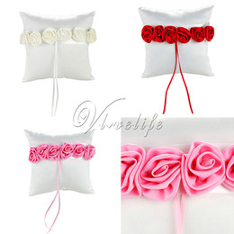 Barato Almofadas De Anel Rosa-20cm x 20cm Wedding Ceremoney Bridal Colorful Ribbon Satin Ring Pillow Rose Flowers Pink Red Ivory Wedding Home Party Decor