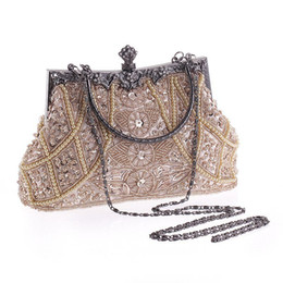 Wholesale Women Clutch Bags Beads Evening Exquisite Handbags For Ladies Vintage Beaded Embroidered Wedding Party Bridal Handbag With Wristlet