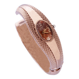 China Fashion Snake watches with metal bracelet band, Snakelike Casual wristwatch for Ladies, Women accessories Price Cheap + Good Quality suppliers