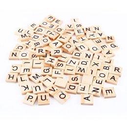 100шт/набор деревянных алфавит Эрудит плитки черные буквы цифры для ремесел древесины