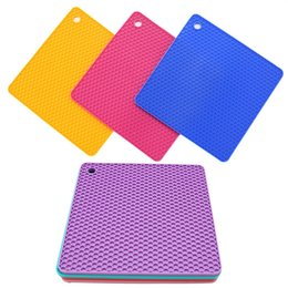 Pads for coaster mats online shopping - Square Honeycomb Pot Pads Kitchen Supplies Tool Cup Coaster Multi Color For Heat Resistant Silicone Disc Mat zy C RY