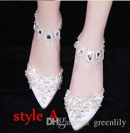 Talons Hauts Étincelants Rouges Pas Cher-Elegant Mariage Chaussures de mariage Chaussures de mariage Buckle Crystal Chaussures à talons hauts Chaussures strass Pearl Sparkling Wedding Princess White Red