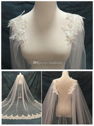 Barato Camada De Xale-2017 New Shawl Style Nupcial Veils Single Layer Longo Luxo Shoulder Wedding Veils Beads Lace Bridal Accessories Cheap Wedding Veils