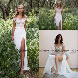 Élégantes Robes De Mariée De Jardin Court Pas Cher-Limor Rosen 2017 Elegant Lace Chiffon Split Bohemian Robes de mariée Sheer Neck manches courtes Cheap Beach Garden Country Wedding Gowns