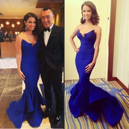 Barato Barato Strapless Cetim Longo Vestidos-New Royal Blue Split Evening Dresses 2016 Strapless Mermaid Ruffles Long Satin Moest Prom Festa Especial Ocasião Vestidos Cheap Custom Made