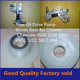 Wholesaler Chainsaw Parts Canada - 4500 5200 5800 Chainsaw spare parts oil pump with oiler worm drive gear for chain saw 45CC 52CC 58CC