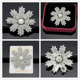 Real Flower Brooches Canada - Alloy Pearl brooch 925 silver plated Real Austria Crystal Brooch Diamond Flowers Brooches Pins For Women Dresses jewelry accessories