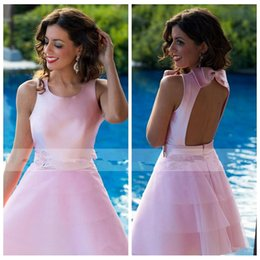 Barato Mini-saia Cor-de-rosa Barata-2017 New Coming Dubai Pink Homecoming Vestidos Tiered Skirt Curto Open Back Prom Festa Vestidos baratos com arco adornado
