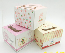 food wrapping paper Canada - New 13.5x13.5x10.2cm kraft paper food box, cake box, biscuit boxes 100pcs lot pink strawberry White Day chocolate boxes